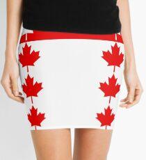 Kanadische Flagge inspiriert Minirock