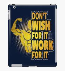 WEIGHT LIFTING TEE - GYM TEE iPad Case/Skin