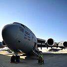 US Air Force C-17 Globemaster III bei Shakir Air Base, Bahrain. von StocktrekImages
