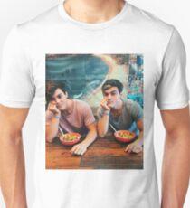 twin power dolan  T-Shirt
