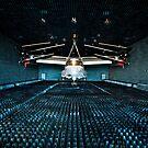 Ein CV-22 Osprey hängt in der schalltoten Kammer der Eglin Air Force Base. von StocktrekImages