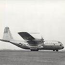 Der erste Flug der YC-130 von Burbank, Kalifornien. von StocktrekImages