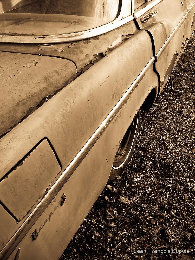 Old car by Jean-François Dupuis
