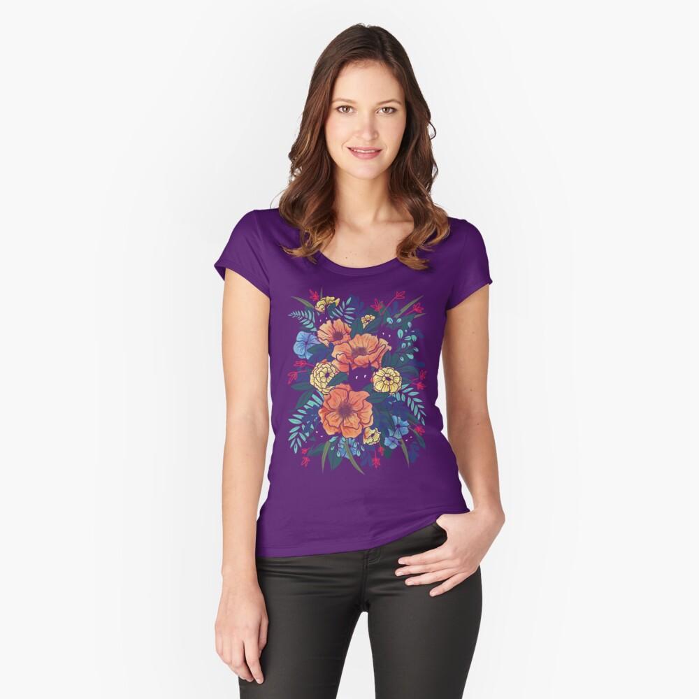 Wilde Blumen Tailliertes Rundhals-Shirt