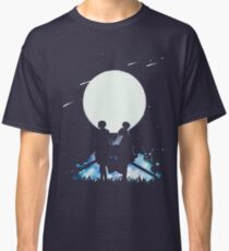 Eren and Levi by the moon Classic T-Shirt