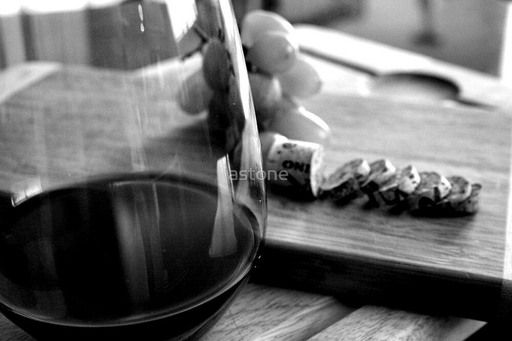 Sliced cork and wine by astone