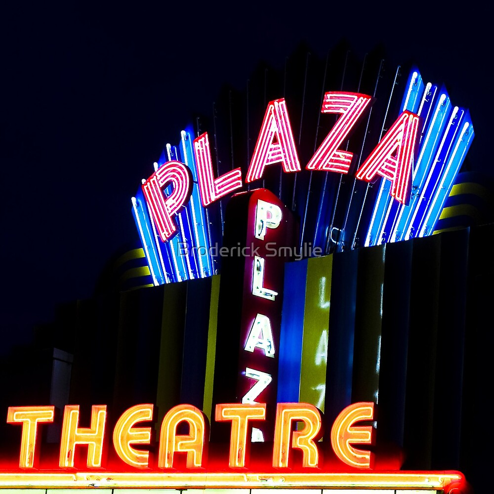 the plaza comes alive by Broderick Smylie