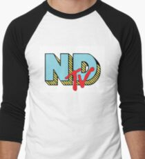 neck deep tv Men's Baseball ¾ T-Shirt