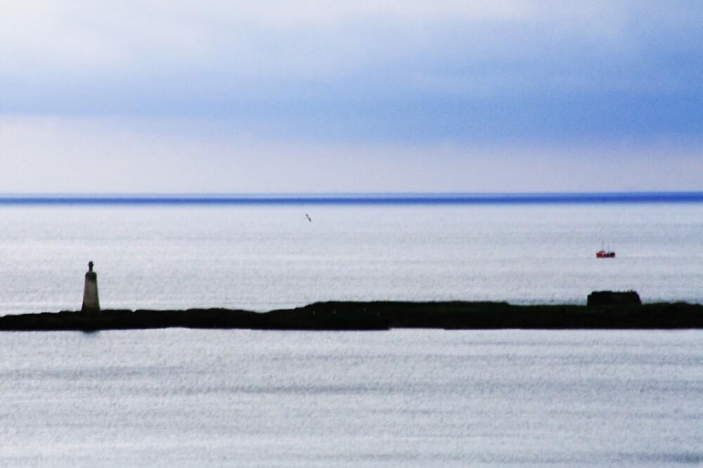Tantallon Bay by milton
