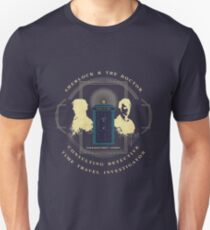 CONSULTING DETECTIVE & TIME TRAVEL INVESTIGATOR   T-Shirt
