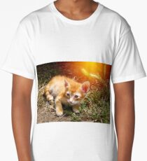 Little cute red kitten with big eyes Long T-Shirt