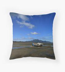Mt Strezlecki - Flinders Island, Tasmania Throw Pillow