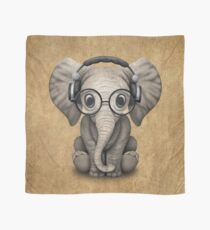 Netter Baby-Elefant DJ, der Kopfhörer und Gläser trägt Tuch
