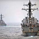 USS Porter und USS Nitze nehmen an einer simulierten Transitfahrt teil. von StocktrekImages