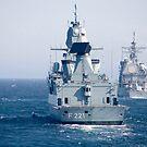 Deutsche Fregatte FFG Hessen und USS Normandy vor der Küste von Schottland. von StocktrekImages