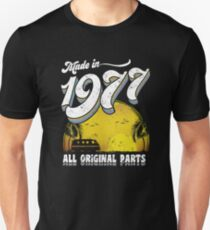 Made in 1977 All Original Parts 40th Birthday Gift T-Shirt