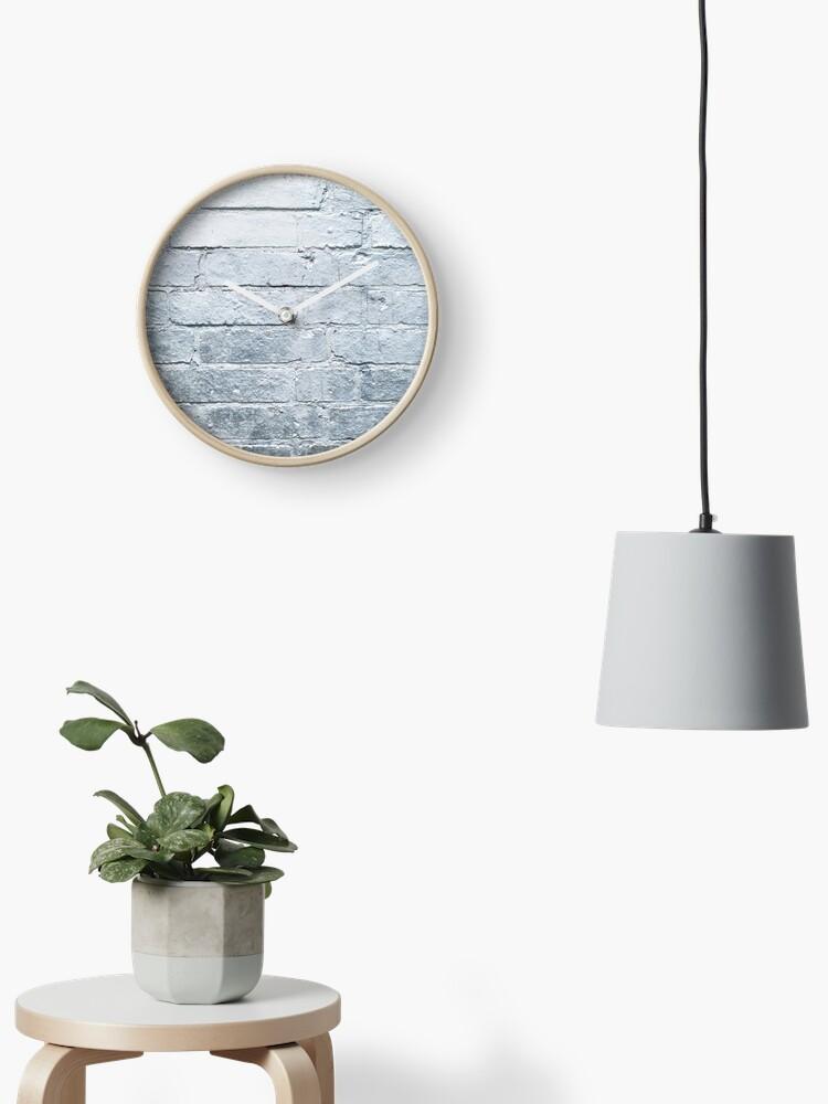 Fond De Mur De Brique Argent Peinture En Aérosol Couleur Chrome Horloge