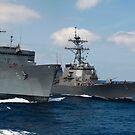 USNS Supply führt eine Auffüllung auf See mit der USS Porter durch. von StocktrekImages