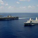 USS Pearl Harbor, USS Makin Island und USS New Orleans durchqueren den Indischen Ozean. von StocktrekImages