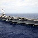 Der Flugzeugträger USS Nimitz durchquert den Pazifik. von StocktrekImages