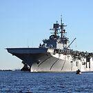 USS Bataan kommt in Naval Station Mayport, Florida an. von StocktrekImages