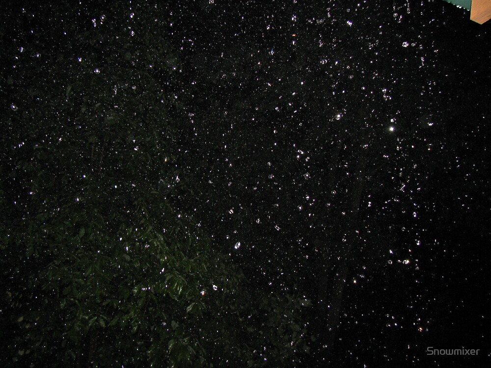 Rain drops by Snowmixer