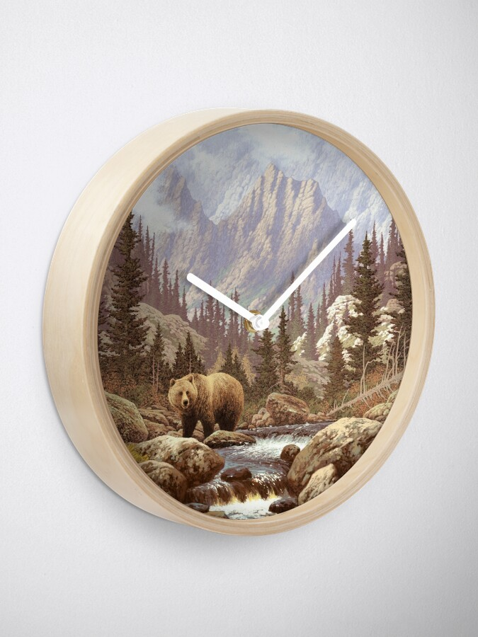 Alternate view of Grizzly Bear Landscape Clock
