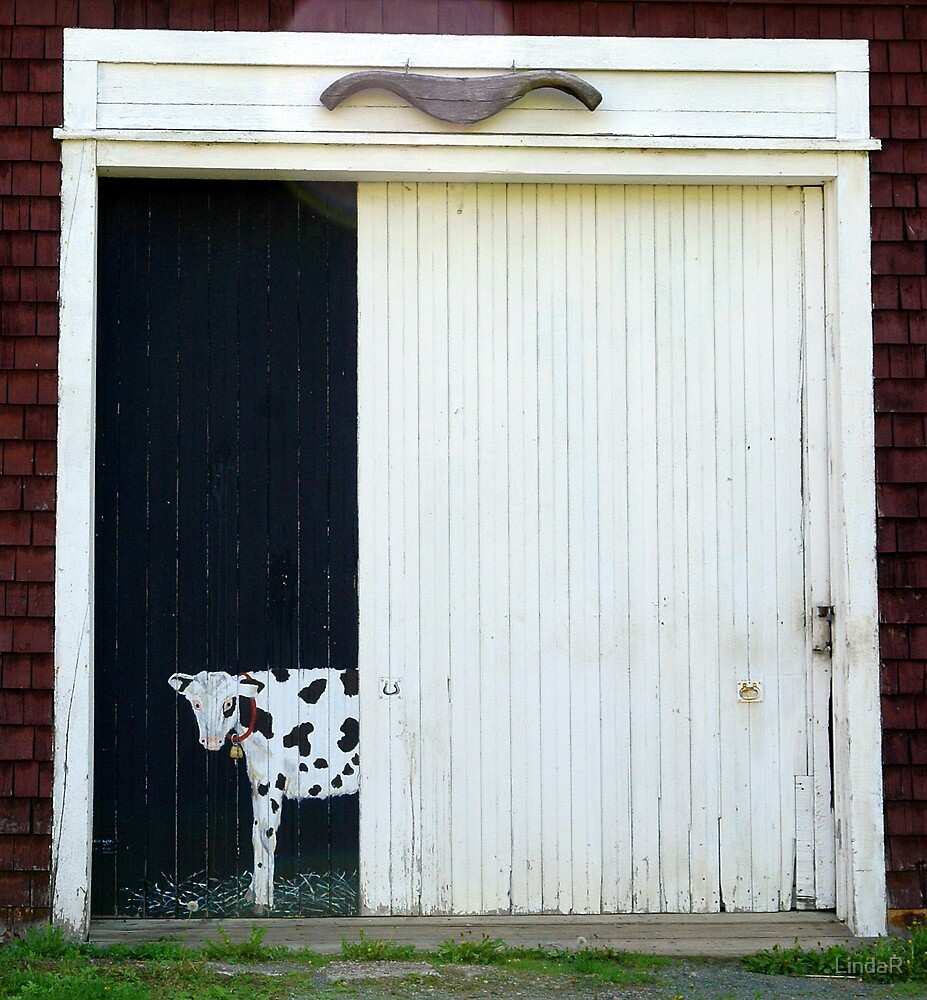 Cow... by LindaR
