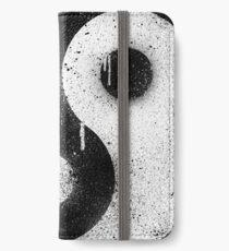 Graffiti Zen Master - Spray paint yin yang iPhone Wallet/Case/Skin