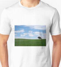 arbol solitario  Unisex T-Shirt
