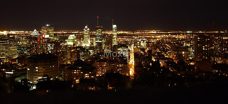 Montreal panorama at Night by Moxy
