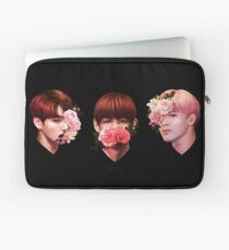 ❀ Blumen + Maknae Linie ❀ Laptoptasche