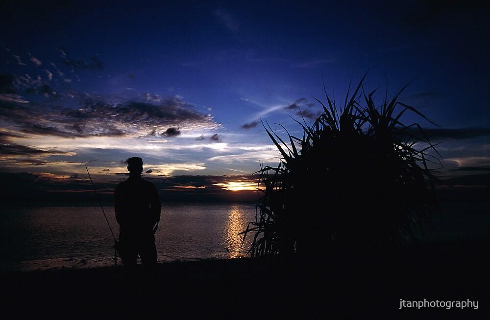 Soldier on Duty Silhouette, Lankayan Island by jtanphotography