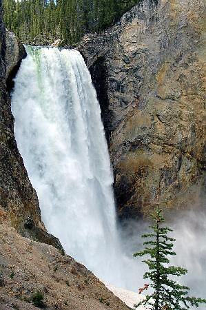 falls at Yellowstone park, usa by chord0