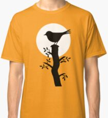 The Swallow on the Tree (Minimalist Art) Silhouette Classic T-Shirt