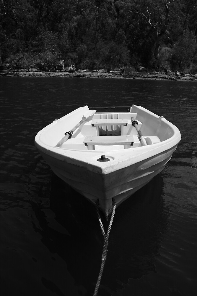tranquil boat, Hawkesbury River by jsargent