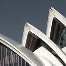 Sydney Opera House 4 by Hannah Larsson