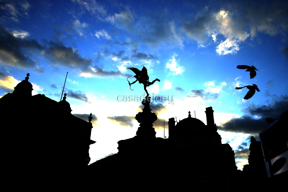 Piccadilly Circus by casadejoey