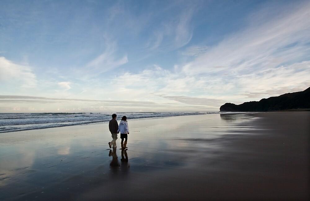 Piha Couple by Mike Calder