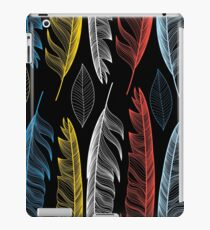 Graphic seamless pattern with colorful feathers iPad Case/Skin
