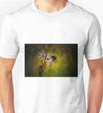 abeja volando  T-Shirt