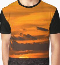 Beautiful sunset in Hawaii  Graphic T-Shirt