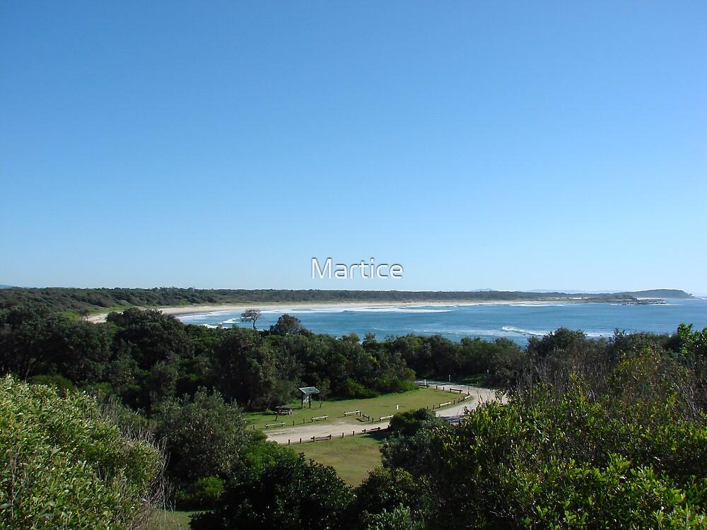 Iluka Bluff Landscape by Martice