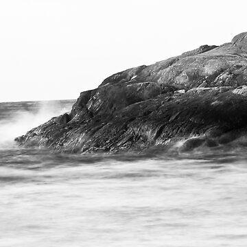 The rough waters of Juan de Fuca Straits by lambj