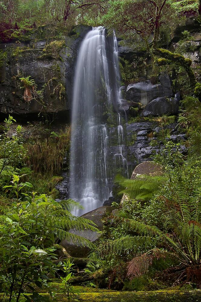 Upper Kalimna Falls by Akif  Kaynak