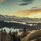 «Fotografía de paisaje de montaña» de La Chic
