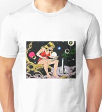 Giant woman with amazed astronaut, funny sci-fi vintage poster T-Shirt