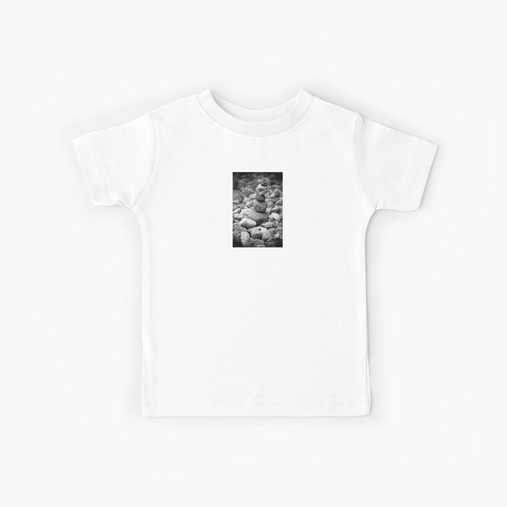 Feder und Steine Kinder T-Shirt