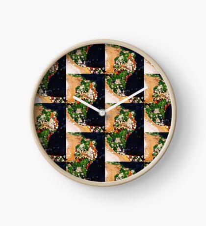 Muscheln und Moos Uhr