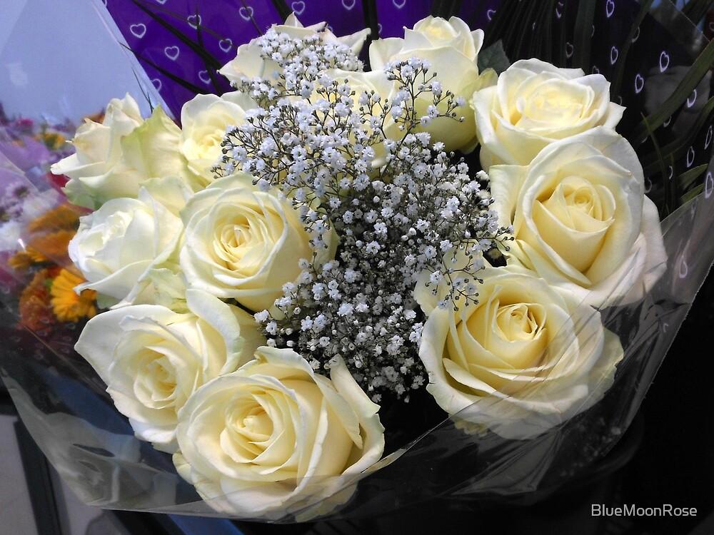 White Roses von BlueMoonRose